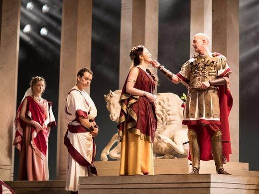 Royal Shakespeare Company: Julius Caesar - William Shakespeare#2