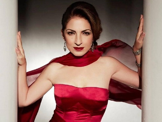 ON YOUR FEET! The Story of Emilio and Gloria Estefan#2
