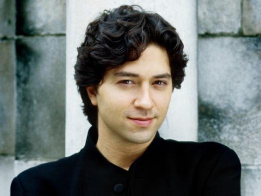 Sergio Tiempo piano