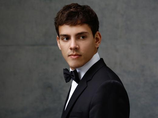 Aaron Pilsan piano
